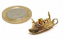 An unusual 9ct gold charm formed as a ferry with