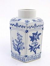 A Chinese porcelain hexagonal shaped tea caddy