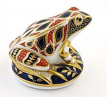A Royal Crown Derby Imari frog paperweight with gold stopper