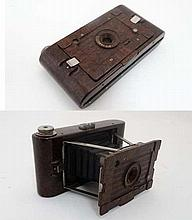 A rare 1930 Kodak No2 Hawkette folding camera , Art Deco styled 7