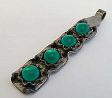 Scandinavian Jewellery - Bent Larsen Danish Modernist jewelery : Danish pendant set with four green