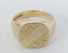 A 9ct gold Signet ring (10g)