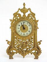 Strutt / Easel Clock  : a key wind, cylinder time