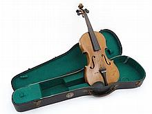 Musical Instruments : An early to mid 20thC Violin