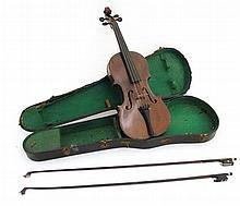 Musical Instruments : An early 20thC Violin , bear