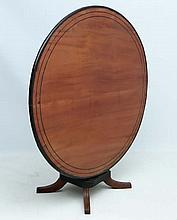 Anglo-Indian Table : a 19 thC mahogany tilt top circular ta