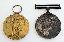 15330 Pte H Hardman, Scots Guards : Two WWI campaign medals