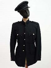 Militaria : A post - war black Dress Uniform Blazer & Cap of an ensign of the Royal Army Service Corps ( 1888 - 1965 )
