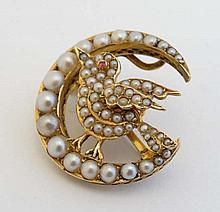 Sweetheart jewellery : A gold and gilt metal brooch / penda