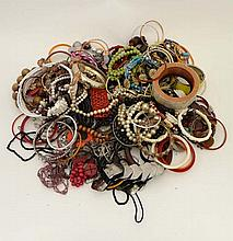 A very large quantity of assorted costume jewellery to incl