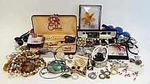 Assorted costume jewellery to include beads, necklaces, bro