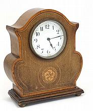 Clock :  an early 20 thC mahogany mantle timepiece clock  with French platf