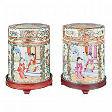 Pair of Canton Rose Medallion Porcelain Covered Jars