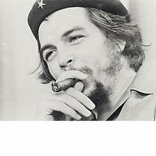 CORRALES, RAUL (b. 1925) [Che Guevara]. Gelatin silver print, 9 3/4 x 12 3/8 inches (250 x 314 mm), recto signed on image (l...