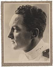 Superb RICHARD E. BYRD Signed Photograph Shows Byrd in his Naval Uniform