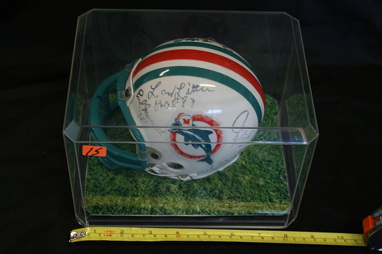 MINI HELMET SIGNED BY MIAMI DOLPHINS TEAM MEMBERS