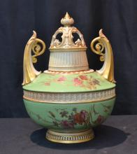 ROYAL WORCESTER TWIN HANDLE POTPOURI URN
