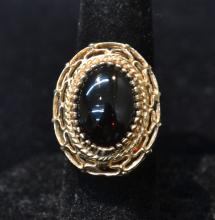 14kt AMBER COLOR CABACHON RING - SIZE 7 1/2