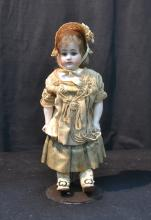 AM 3095 BISQUE SHOULDER HEAD DOLL WITH