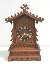 CARVED OAK GERMAN GOTHIC MANTLE CUCKOO CLOCK
