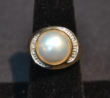 14kt MOBE PEARL & DIAMOND RING - SIZE 7 ; 4.7dwt
