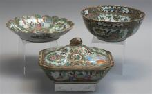 THREE PIECES OF CHINESE EXPORT ROSE MEDALLION PORCELAIN A bowl, diameter 7.75