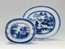 CHINESE EXPORT CANTON PORCELAIN OVAL CHESTNUT BASKET AND UNDERTRAY Both with traditional blue and white decoration. Chestnut basket...