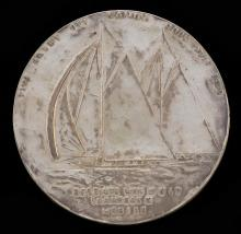 RARE AMERICA'S CUP COMMEMORATIVE MEDALLION Celebrating the victory of the Resolute over the Shamrock. Probably in silver. Obverse de...