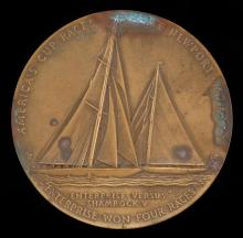 BRONZE AMERICA'S CUP COMMEMORATIVE MEDALLION Celebrating the victory of the Enterprise over the Shamrock. Obverse depicts the two ya...