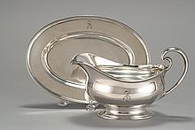 TIFFANY & COMPANY STERLING SILVER GRAVY BOAT AND UNDERTRAY In the