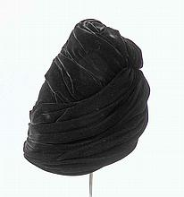 CHRISTIAN DIOR - chapeau turban en velours noir, style années 40, esthétique art