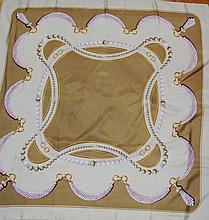 CARTIER - carré de la ligne Must, 100 % soie, 80 x 80 cm, thème   bijoux  , tons