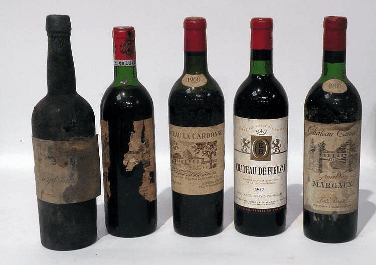 Lot de 5 Bouteilles comprenant : 1 BLLE de CHÂTEAU FIEUZEL, grand cru classé 1967, 1