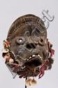 R.C.I Dan Ancien petit masque de danse des Dans des monts toura. Bois , fibres, coquillages et perles. 21 cm