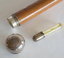 Forte CANNE de dandy pommeau de en métal argenté monogrammé se dévisse, contenan