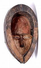 masque Eket (Nigéria), 35 cm. belle représentation artisanale du style Eket.