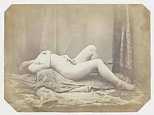 [NU]. Nu renversé, plaisir solitaire. Années 1850. Épreuve d'époque sur papier s