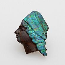 Opal Kameé.