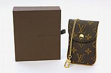LOUIS VUITTON exklusives Telefon Etui.