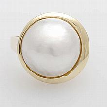 Damenring mit einer Mabe- Zuchtperle ( 14,5mm)