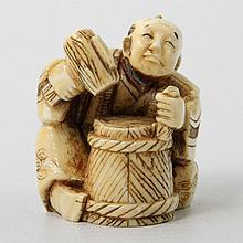 Netsuke eines Handwerkers aus Elfenbein. JAPAN, um 1900