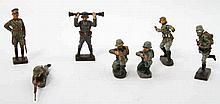 Konvolut - 7 Massefiguren, u.a. LINEOL. Dargestellt sind Soldaten