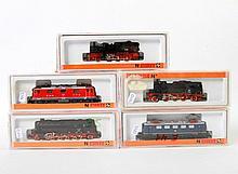ARNOLD Konvolut von fünf Lokomotiven 2415, 2323, 2280, 2212 und 2285, Spur N.