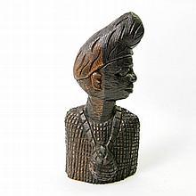 Büste eines Mannes aus Holz. BENIN/NIGERIA, um 1970
