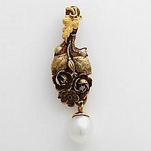 Anhänger mit einem Diamantsplitter und einer Perle (Zuchtperle Tropfenform).