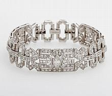 ART DECÓ Armband. Besetzt mit 324 Diamanten zus. ca. 8,0 cts. TW-TCRY/VVSI-P.