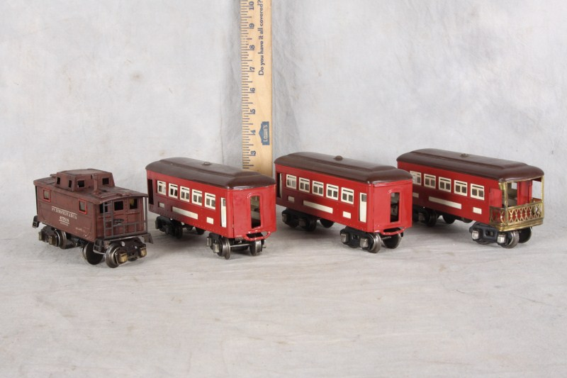 L133 MIXED LOT 4 PCs LIONEL RAILROAD 2457 CABOOSE 603 603 PULLMAN 604 OBERVATION