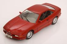 1/18 Scale BMW 850i by Maisto