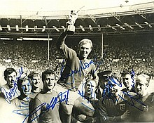 WORLD CUP 1966. Photograph Signed - (SP)