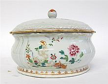 Chinese export porcelain famille rose covered soup tureen, mid 18th century, The domed and molded lid with barbed rim, painted with spr